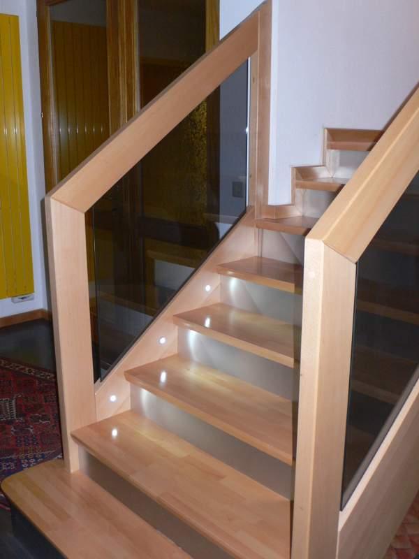 led dans escalier trendy fabrication escalier limon acier intgrer dans le mur marches acier. Black Bedroom Furniture Sets. Home Design Ideas